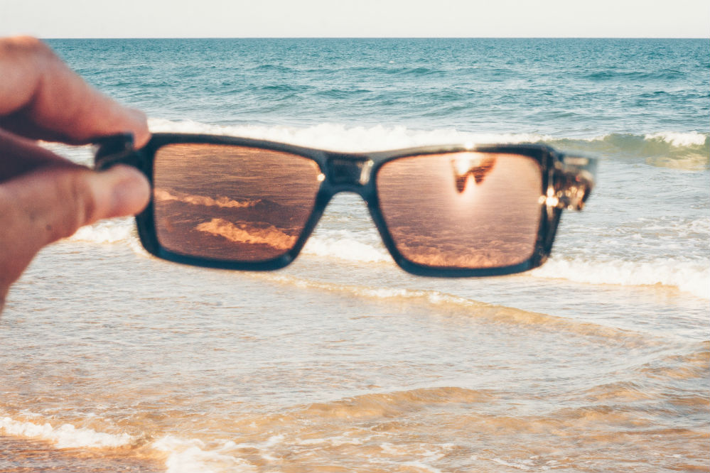 How to Tell if Sunglasses are Polarized: The Three Ways