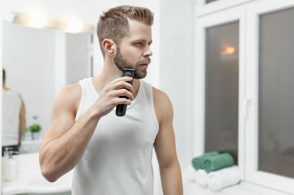 How to Use a Beard Trimmer 2